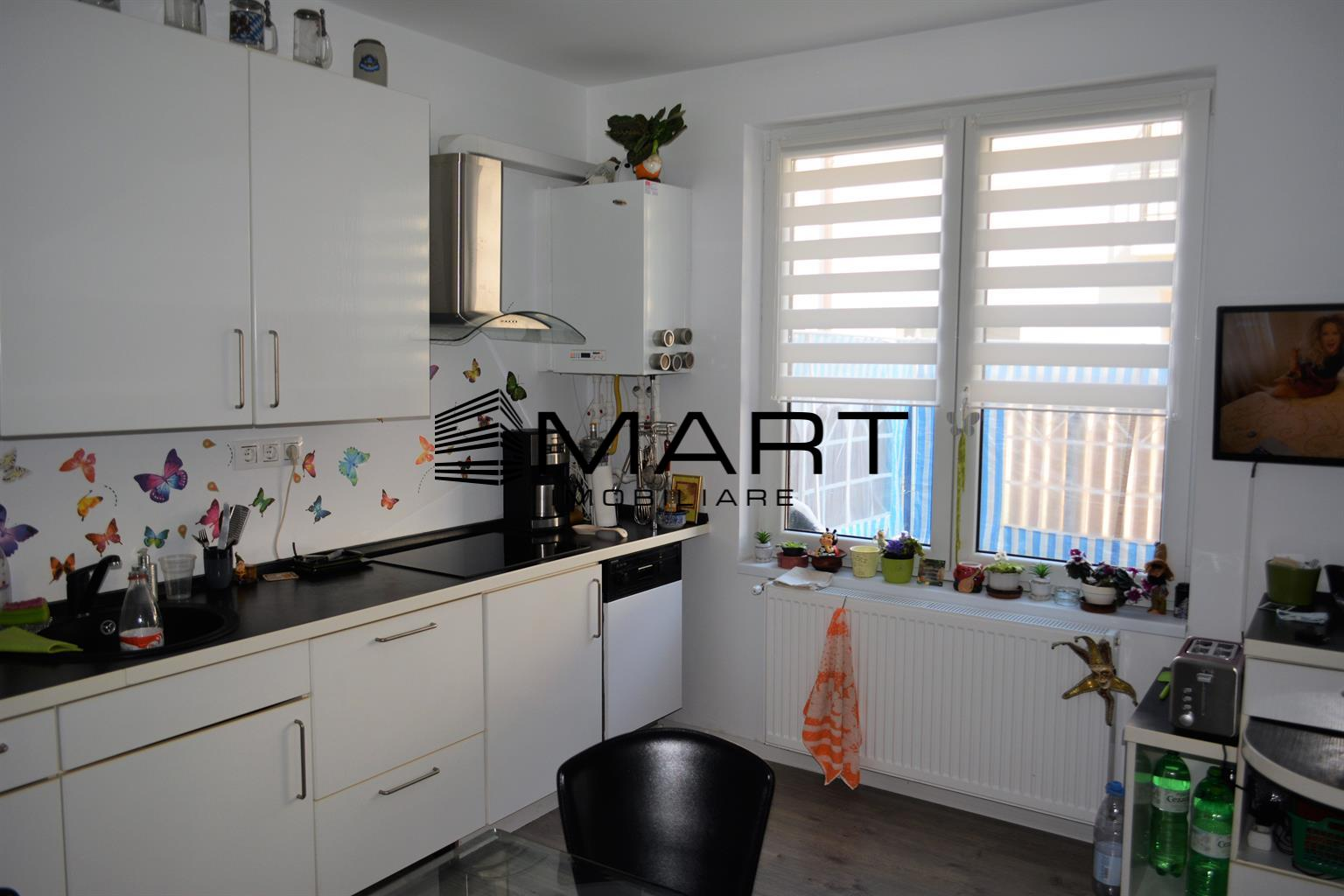 Duplex 4 camere 85 mp util + 65 mp curte Calea Cisnadiei